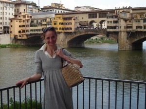 Lorenza in front of the Ponte Vecchio